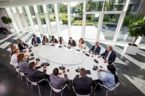 Обзор и построение конференц-системы DICENTIS